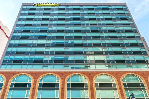Niagara-2449RadissonHotel&SuitesFallsviewEd